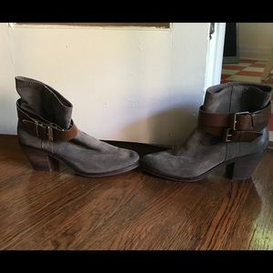 ASH Gray suede leather buckle short boots w) heel